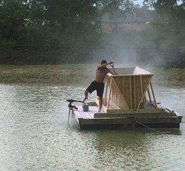 sprinkle method for Bentonite pond sealant