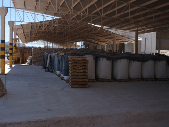 Warehose plant invetori bentonite clay