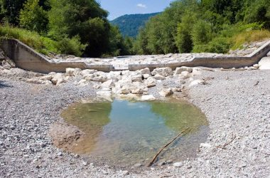 dry-pond-rock