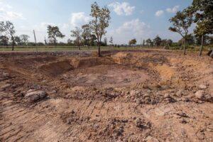 how to build a farm pond using bentonite