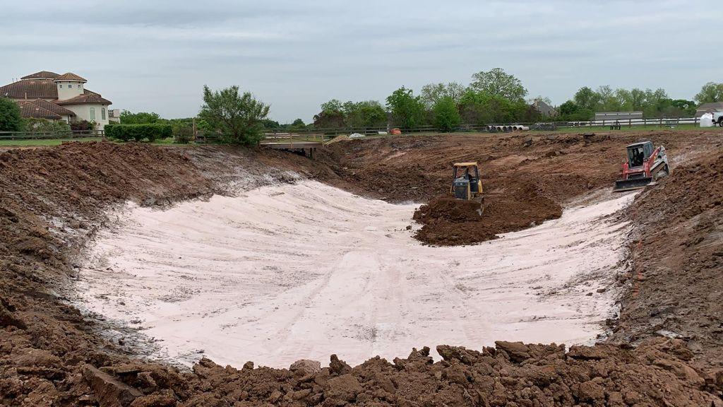 bentonite pond liner installation
